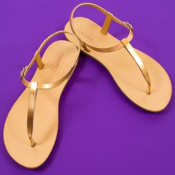 Free SAKURA flip flops from Coloko
