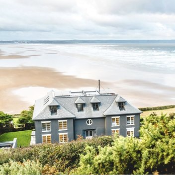 Go on a romantic stay for 2 at the Chalet Saunton