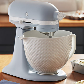 Add a new Misty Blue Mixer from KitchenAid to your kitchen