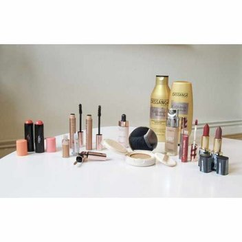 Get a huge Christmas make-up set from L'Oreal