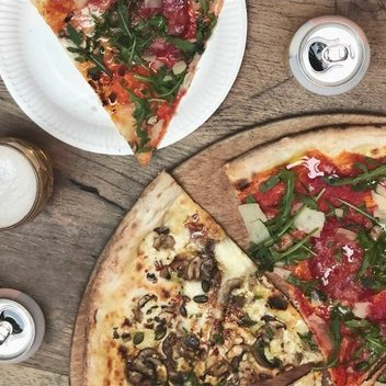 Enjoy unlimited pizza & beer at Homeslice with mates