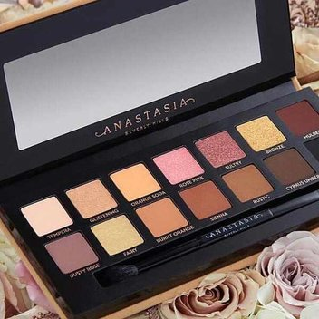 Add the Anastasia Beverly Hills Soft Glam Palette to your makeup stash