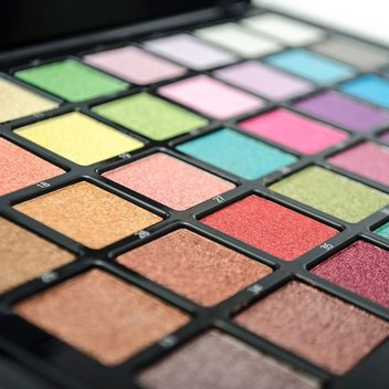 2 Airbase Make-Up Palette's to be won