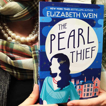 Win a signed copy of The Pearl Thief and a Pandora Grand Pearl Ring with Caboodle