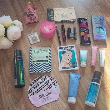 Bag a free beauty bundle with A Moment with Franca