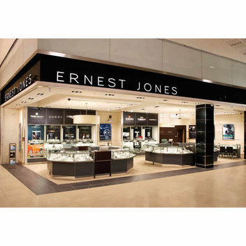 Enjoy a luxury spa date & a Ernest Jones jewellery gift bag, worth £2,000