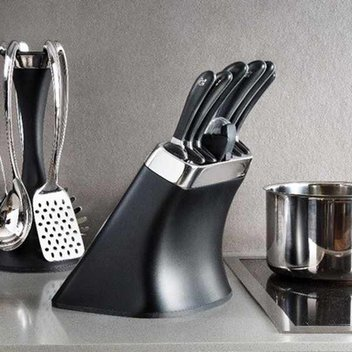 Win one of five Robert Welch Signature knife block sets worth £325