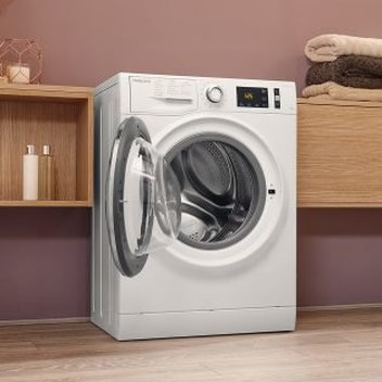 Secure a free Hotpoint Active washing machine
