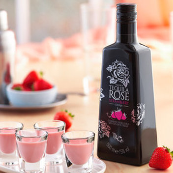 10 luxury hampers with Tequila Rose to be claimed