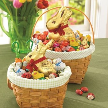 Get an egg-cellent Lindt Easter egg hamper