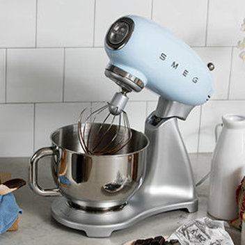 Add a brand new Smeg stand mixer to your kitchen
