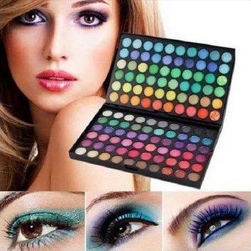 Get glamorous eyes with a free LaRoc bundle