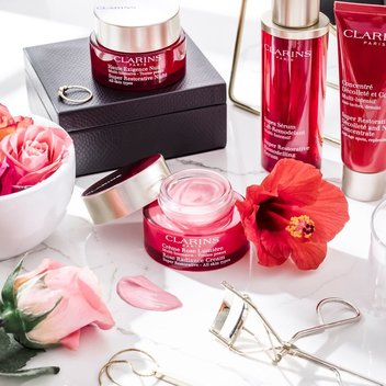 Test the new Clarins anti-ageing moisturiser for free