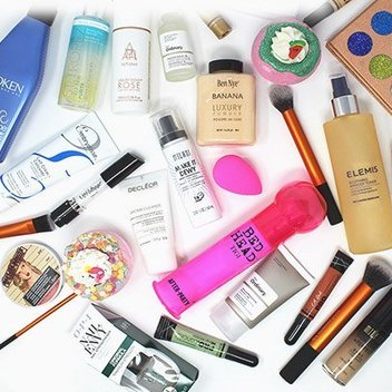Get a free beauty bundle from Just My Look