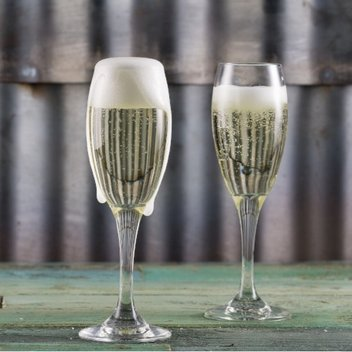 Enjoy a complimentary glass of fizz on Valentine's Day