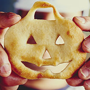Free Halloween Dough Balls with your £5 main