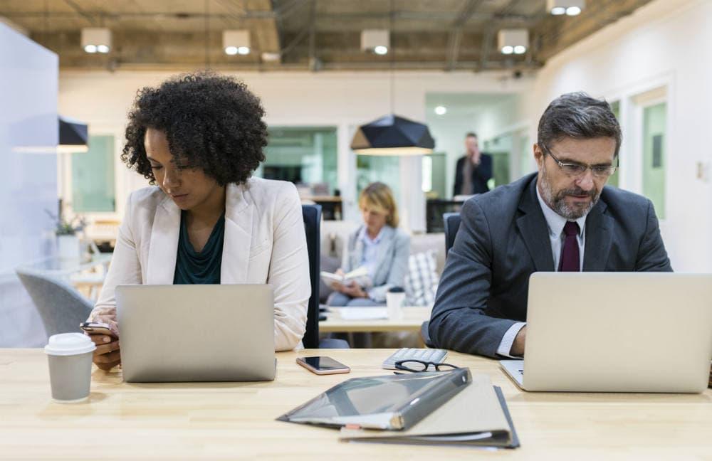 in-house employee vs freelancers