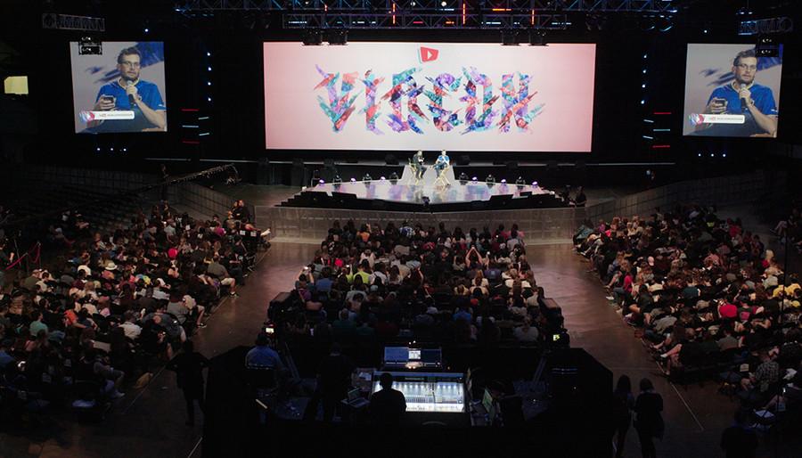 VidCon — Online Video Love Fest