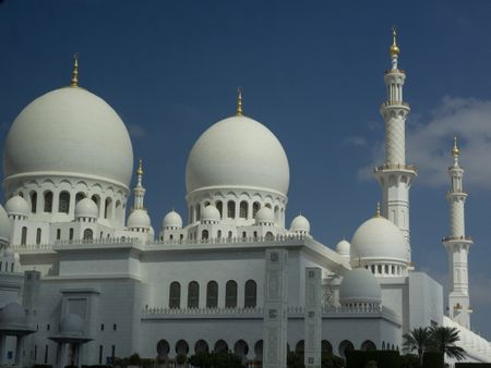 the big mosque of abu dhabi