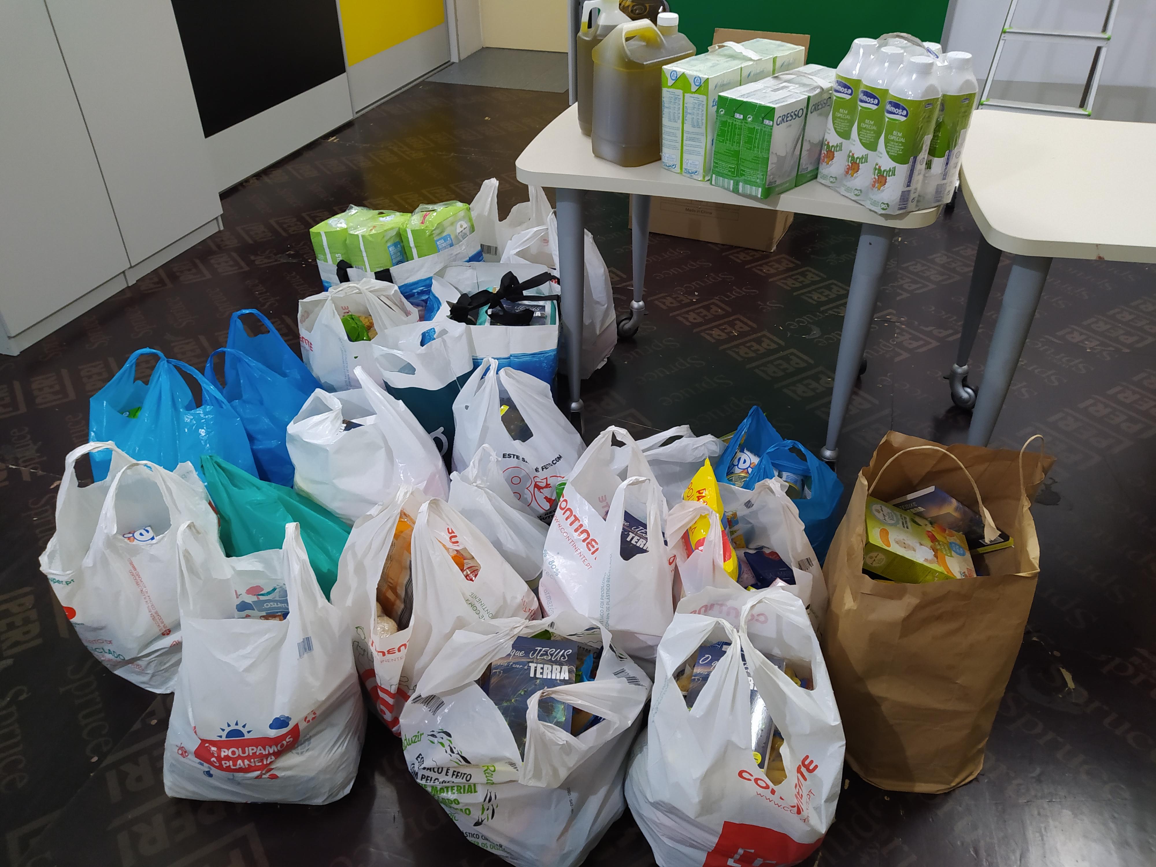 """Igreja Maná fez doação de bens à """"Mão Amiga"""""""