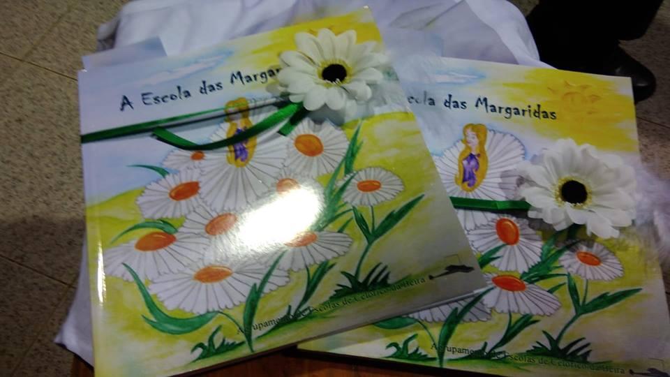 """Livro """"A Escola das Margaridas"""""""