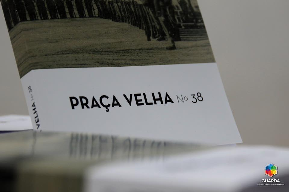 "Revista ""Praça Velha"""