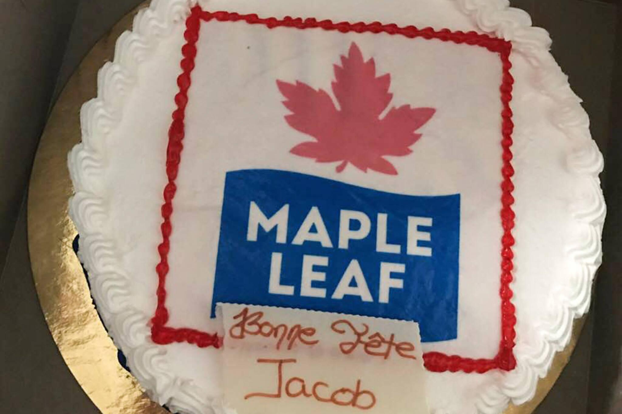 maple leafs cake
