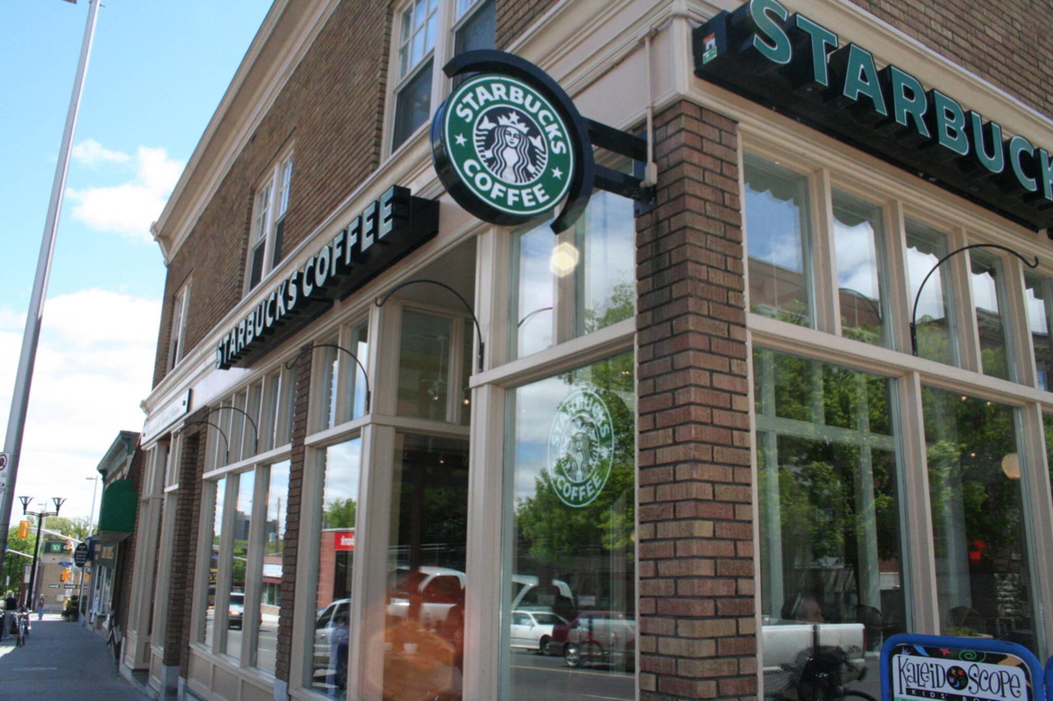 starbucks closing stores