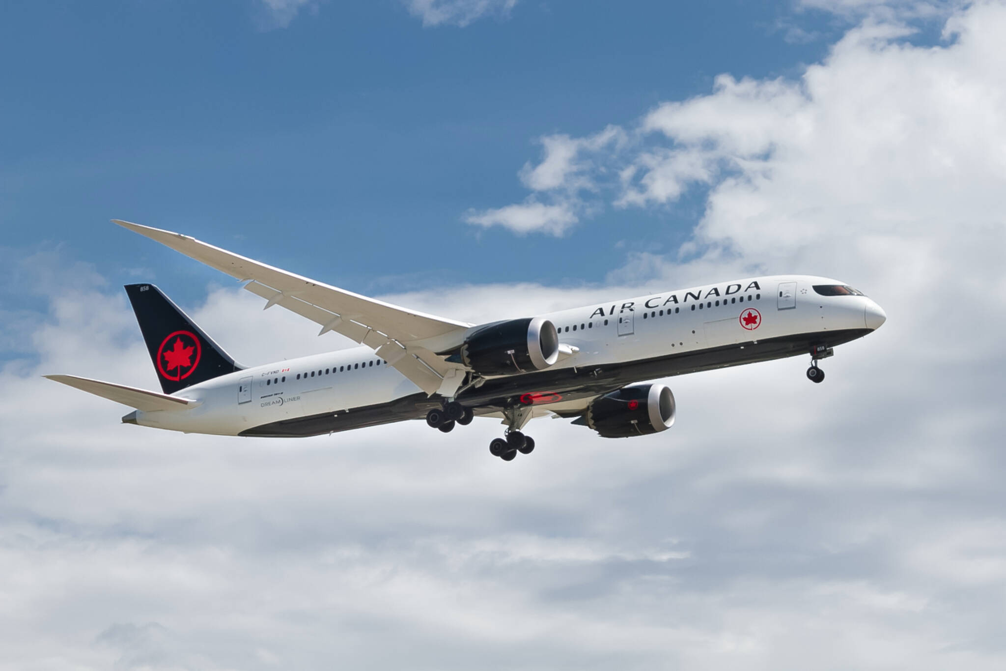 international flights resume canada