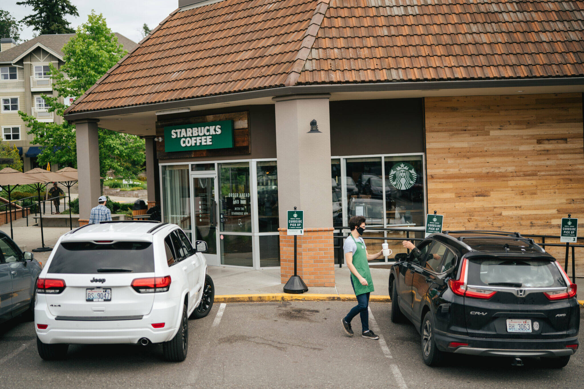 Starbucks curbside pickup