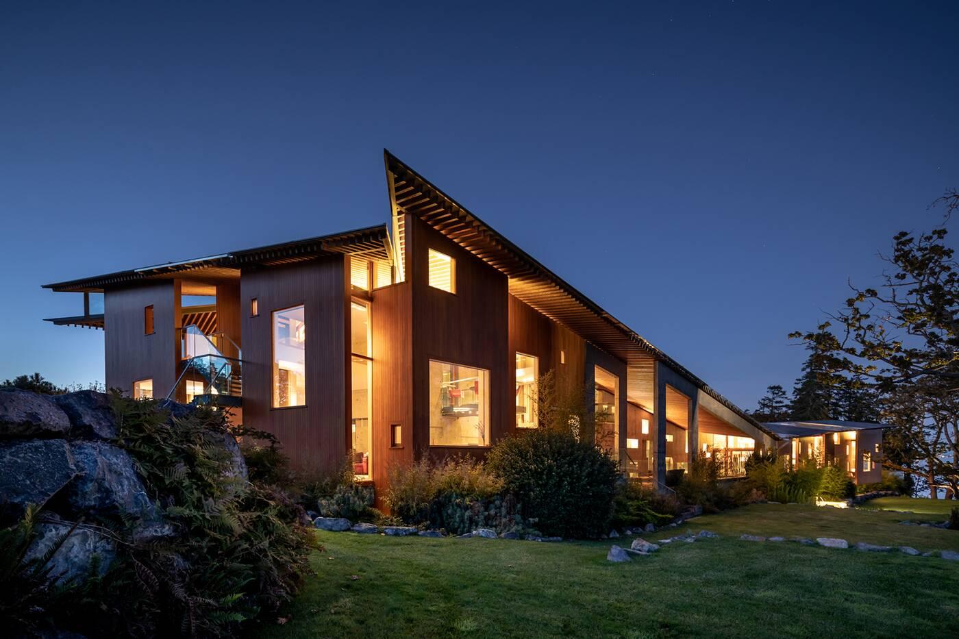 529 Swanwick Road Victoria BC