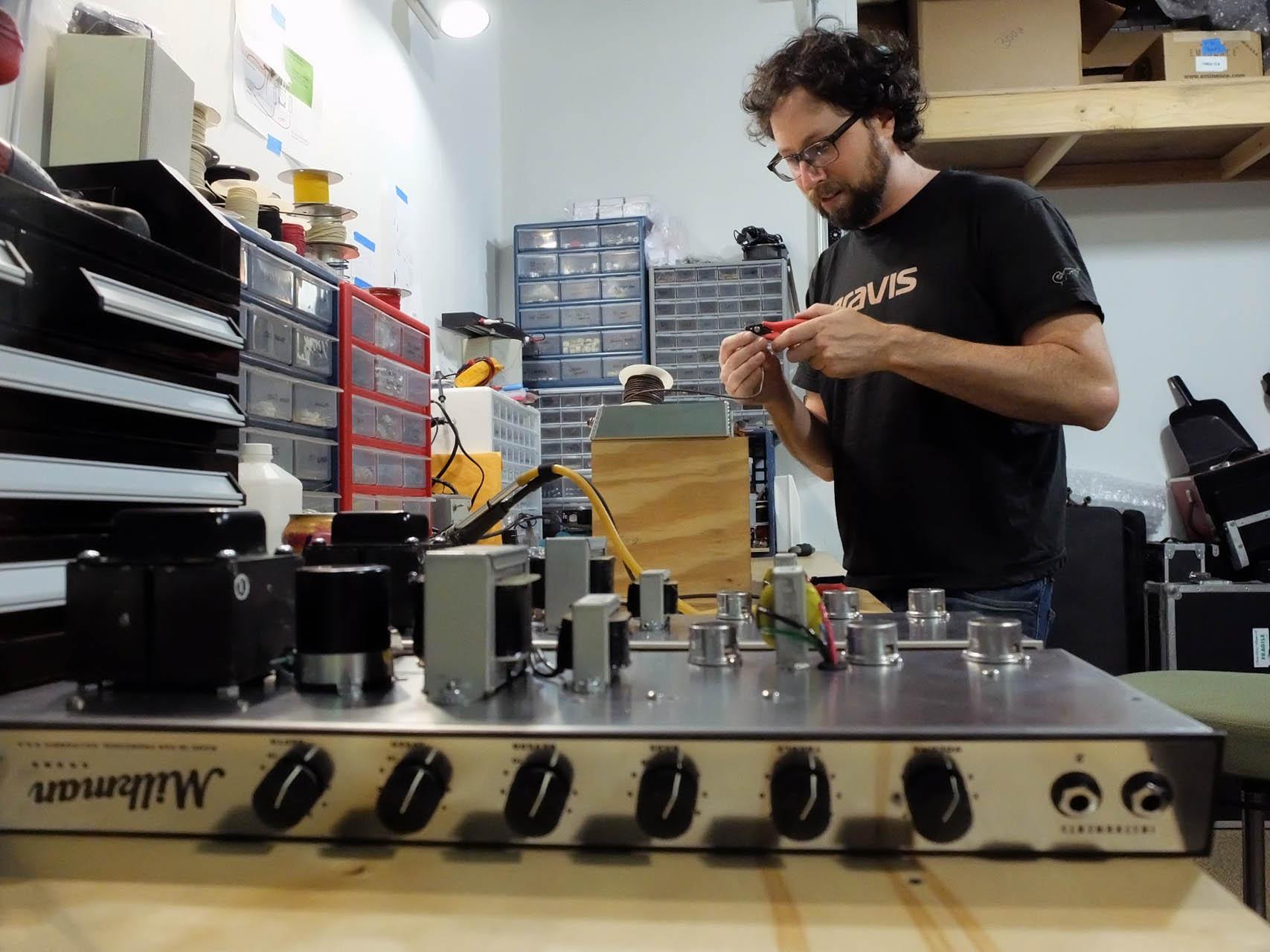 Bench Press Milkman Sound Amplifiers Fretboard Journal 300w High Power Amplifier Diy Circuit