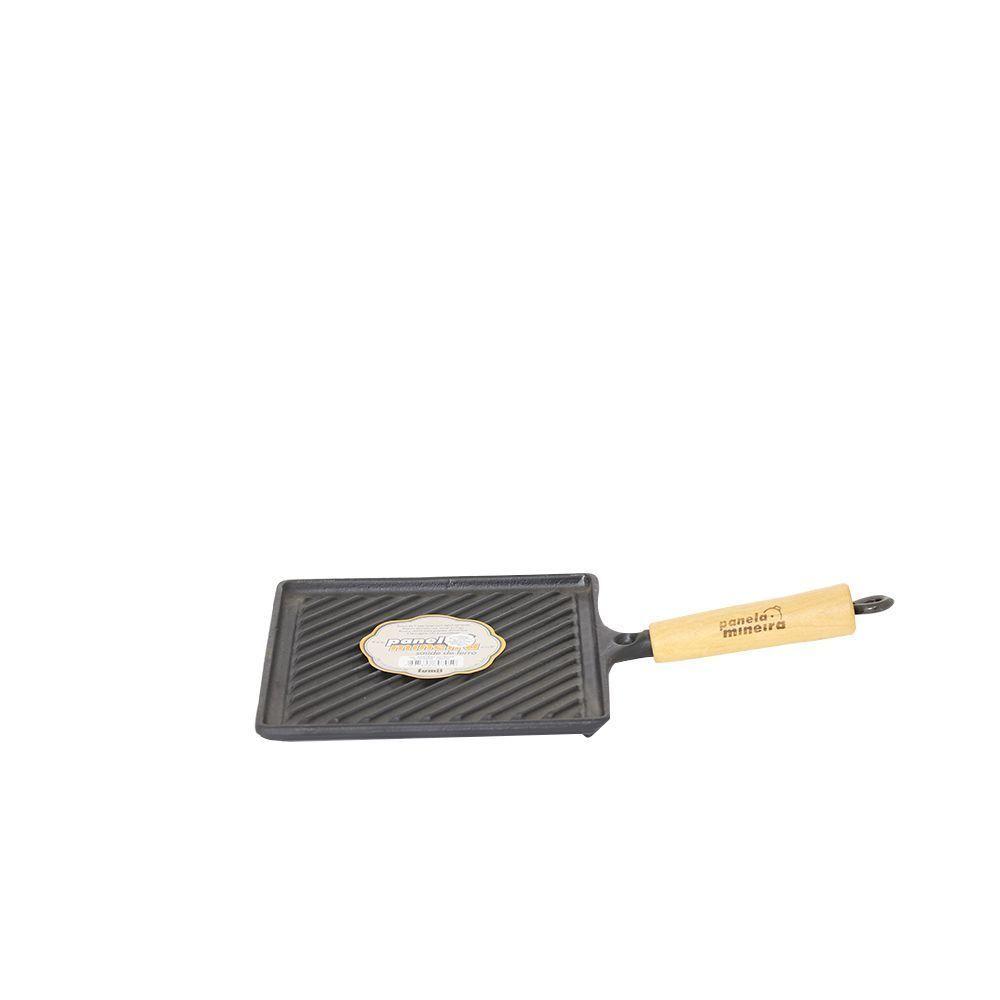 Bifeteira de Ferro Quadrada 22 x 45 cm Estriada Fumil