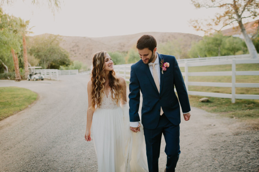 Hummingbird Nest Ranch Lovebirds – Photo by Let's Frolic Together