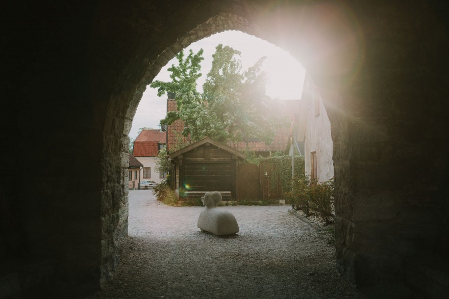 History & Castles in Visby, Sweden – Photo by Let's Frolic Together