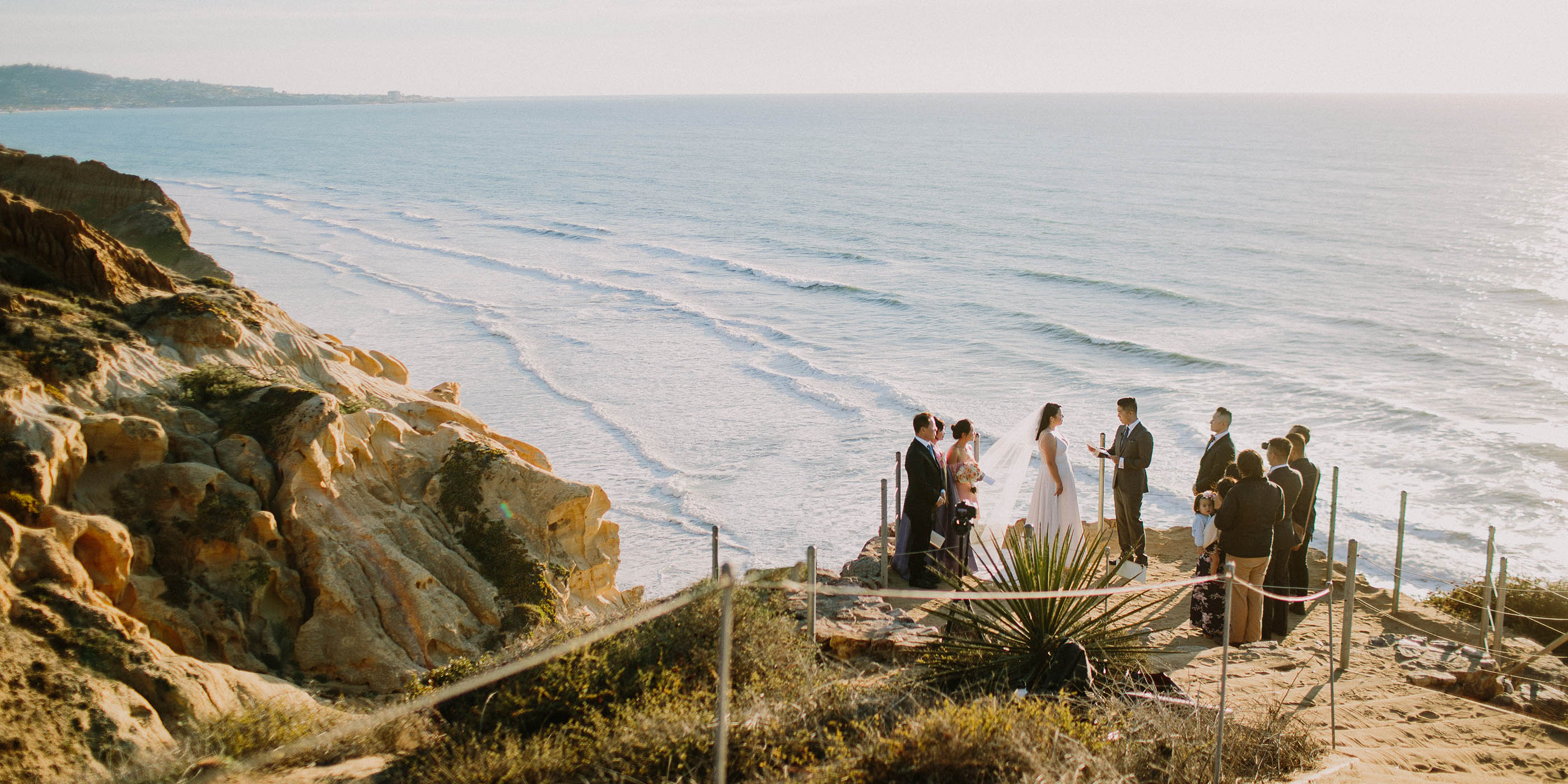 Love in the time of Corona – Photo by Let's Frolic Together