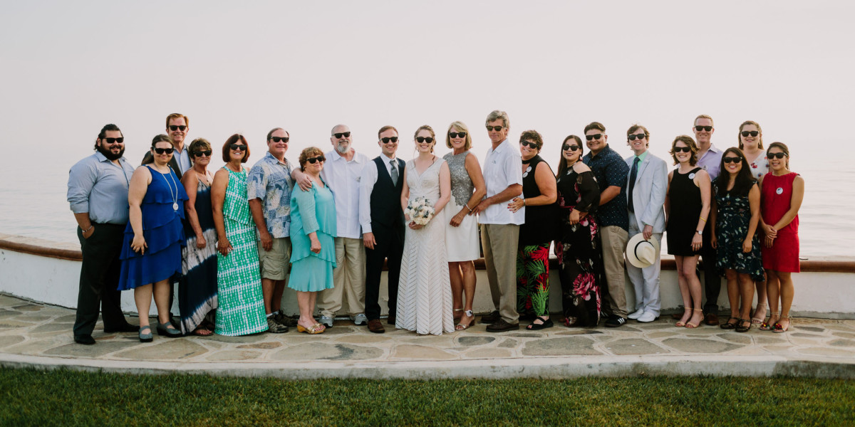 Wedding Day Group Portraits Guide – Photo by Let's Frolic Together