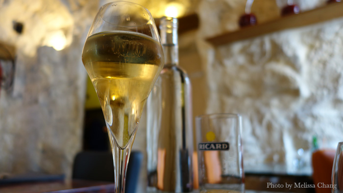 It's not champagne, it's cremeux in Beaune.