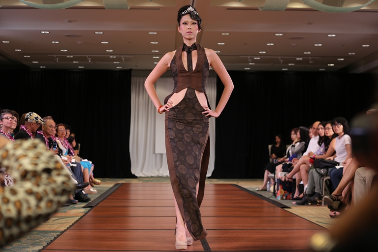 Student Designs Uh Manoa S Fashion Show Frolic Hawaii