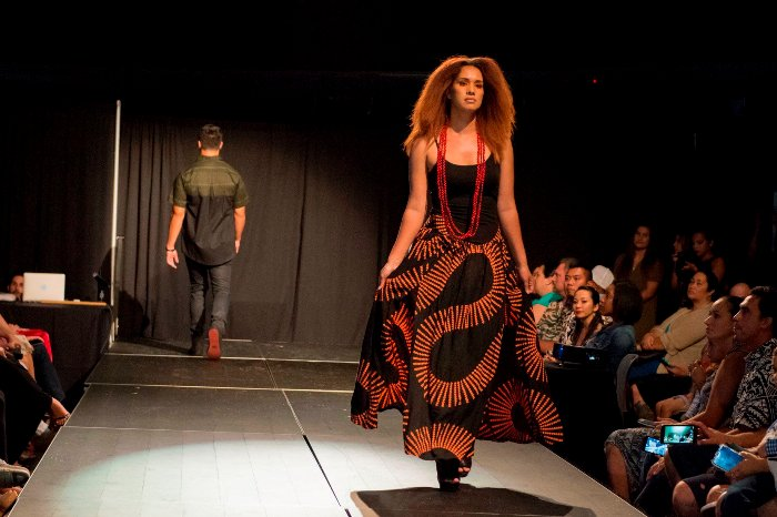 Manaola Fashions Go Deep Frolic Hawaii