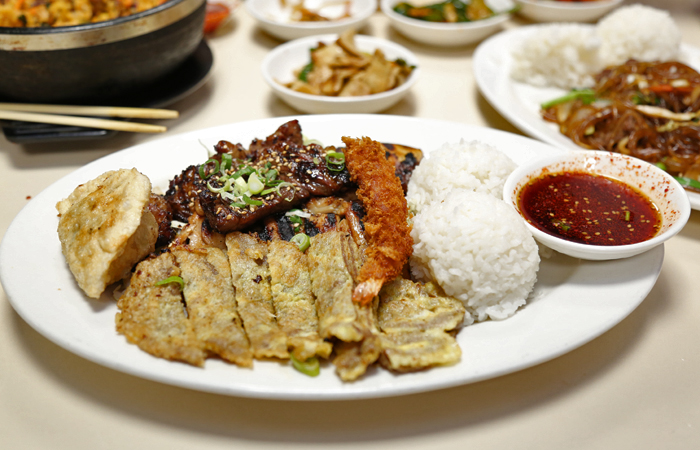 The Sadie's Special ($19.95) is a nicely portioned plate of king kalbi, bbq chicken, meat jun, fried shrimp and mandoo. The king kalbi is especially good and my next visit will be for a full order of the succulent, marinated big-bone kalbi.