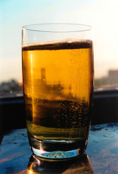glass-of-beer-1328545-1279x1884