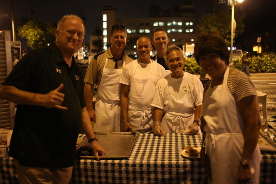 The crew from Murphy's Bar and Grill. Thanks for the sliders!