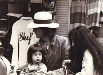 John Lennon, Yoko Ono and their son Sean.
