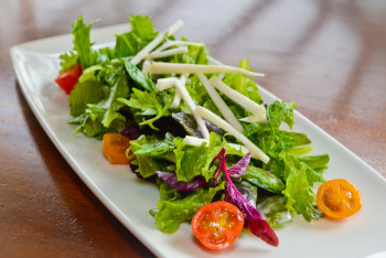 Hula Grill Waikiki - Localicious Salad 1