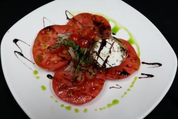 Tommy Bahama Mauna Lani - Mo Betta Farms Heirloom Tomato Salad
