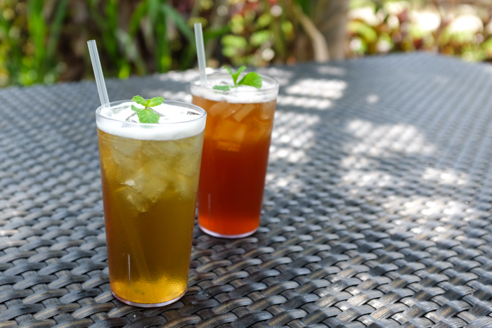The iced tulsi basil mint tea ($4) and iced ginger, olena, lemongrass hibiscus tea ($4) were nice thirst quenchers after our hike up Makapuu.