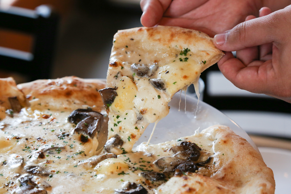 The funghi pizza. If you're a mushroom lover, this is your pie.