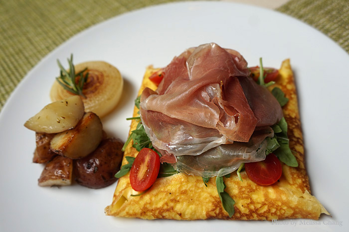 The prosciutto rucola ($13.95) also has a new look, with unexpected flavors that I liked. The crepe is filled with egg salad and topped with emmentaler cheese, arugula, tomatoes and prosciutto, making it a play on a ham-and-egg salad sandwich.
