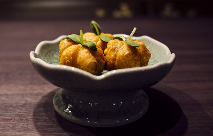 Roasted duck pumpkin puff.